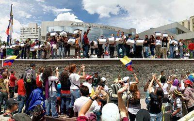 Autoridad electoral Ecuador recibe miles de firmas que piden consulta Yasuní