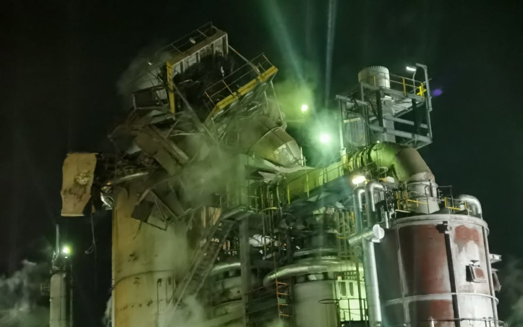 Refinery Explodes in Cape Town